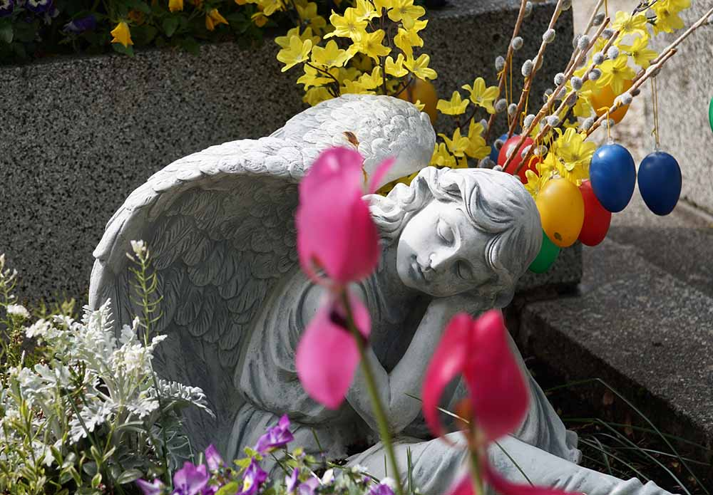 Urnenbestattung auf dem Friedhof_Naturbestattung GmbH 1