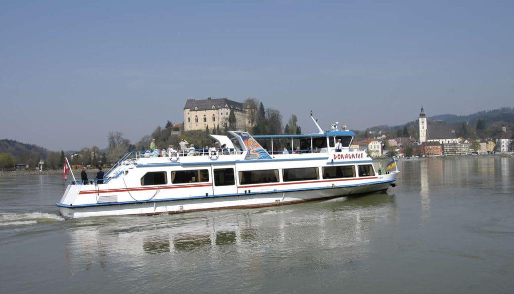 Donaubestattung Schiff Donaunixe