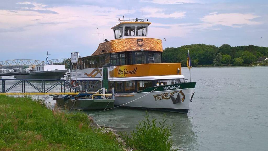 Donaubestattung Schiff Mariandl